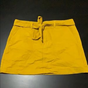 3/$20 Mustard yellow skirt with Removable belt